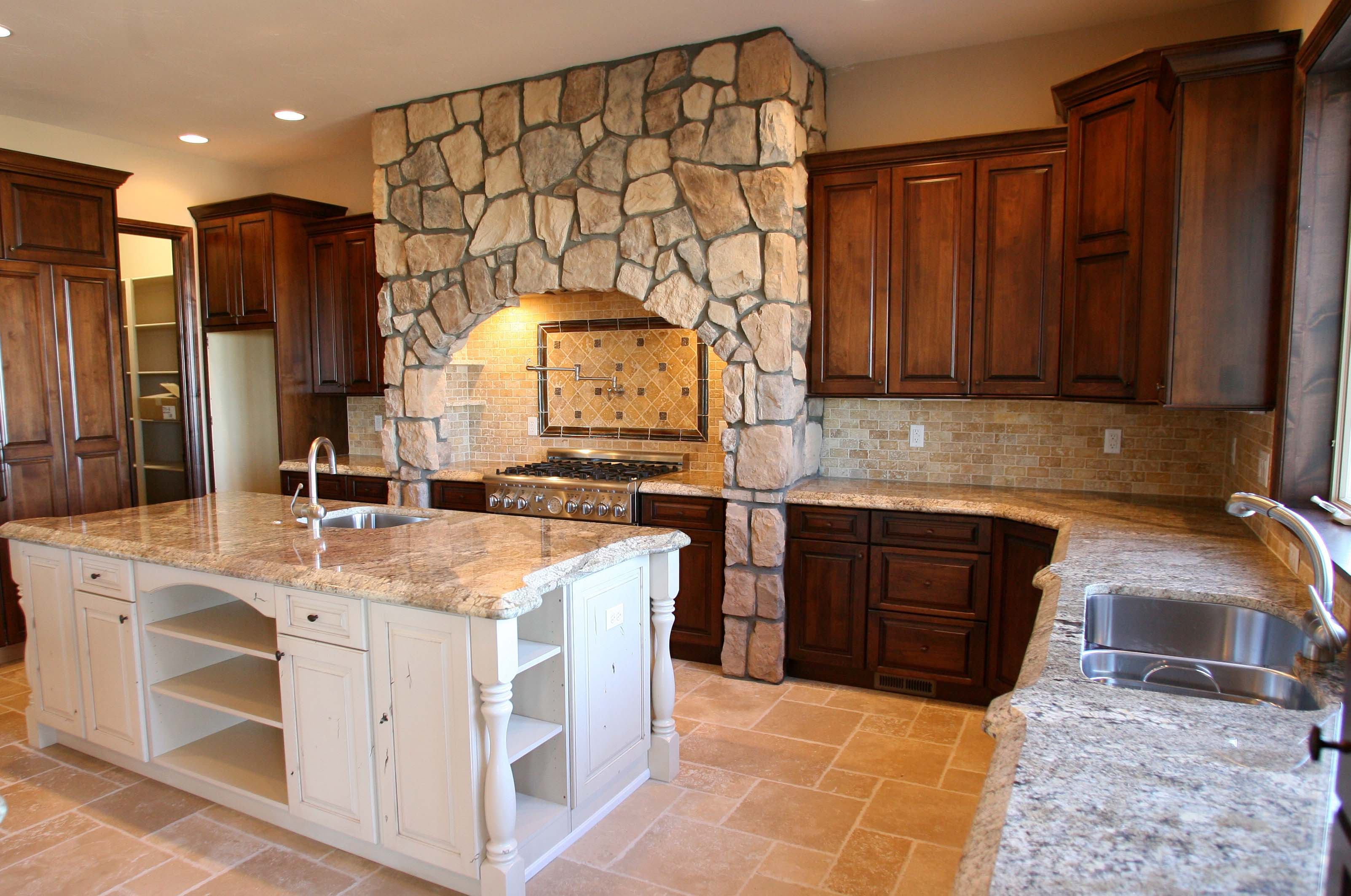 Country Fieldstone - Kitchen - Sunset Stone